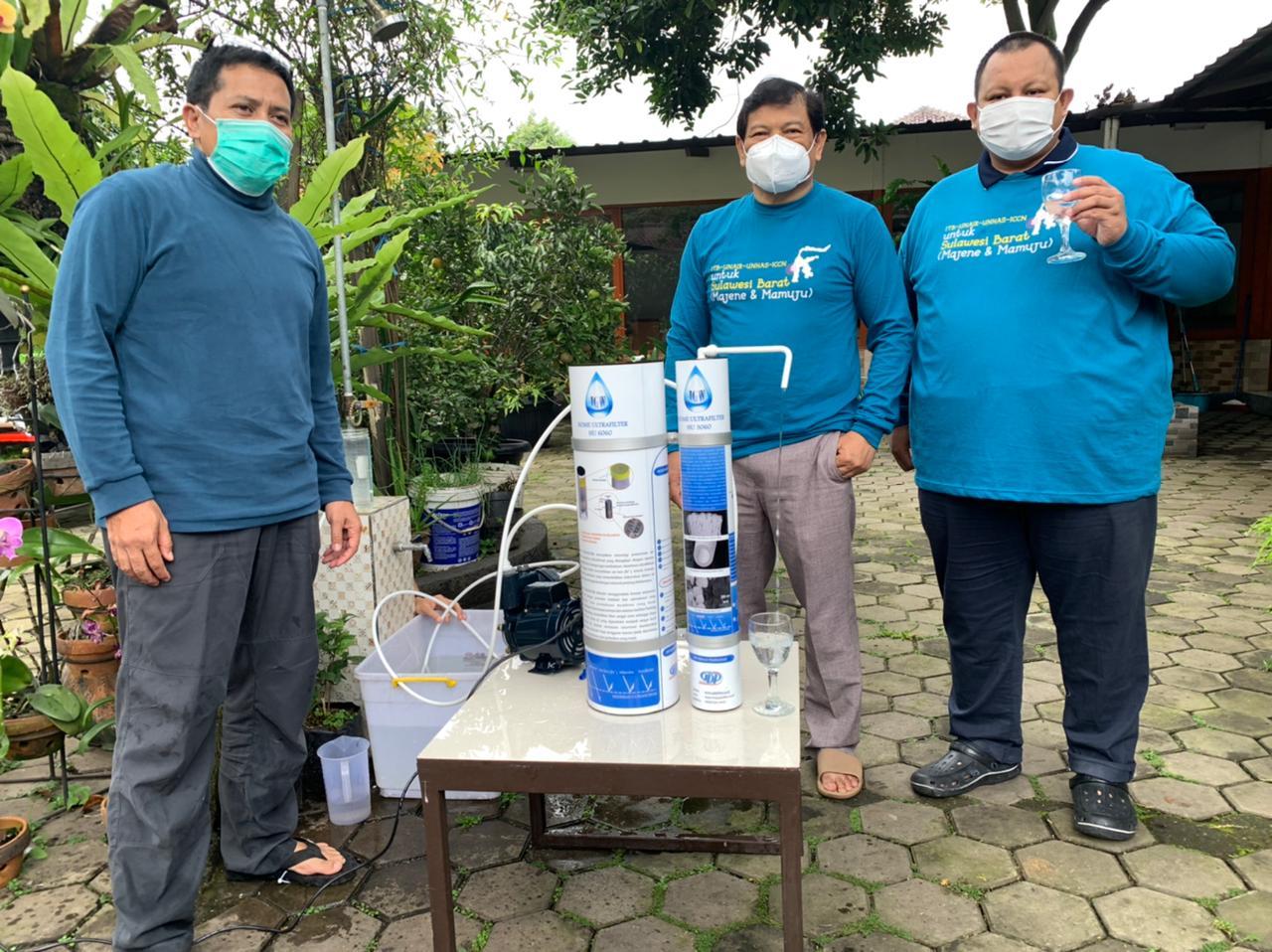 itb-pasang-alat-penyaring-air-minum-bangun-shelter-dan-bagikan-masker-di-lokasi-gempa-sulbar