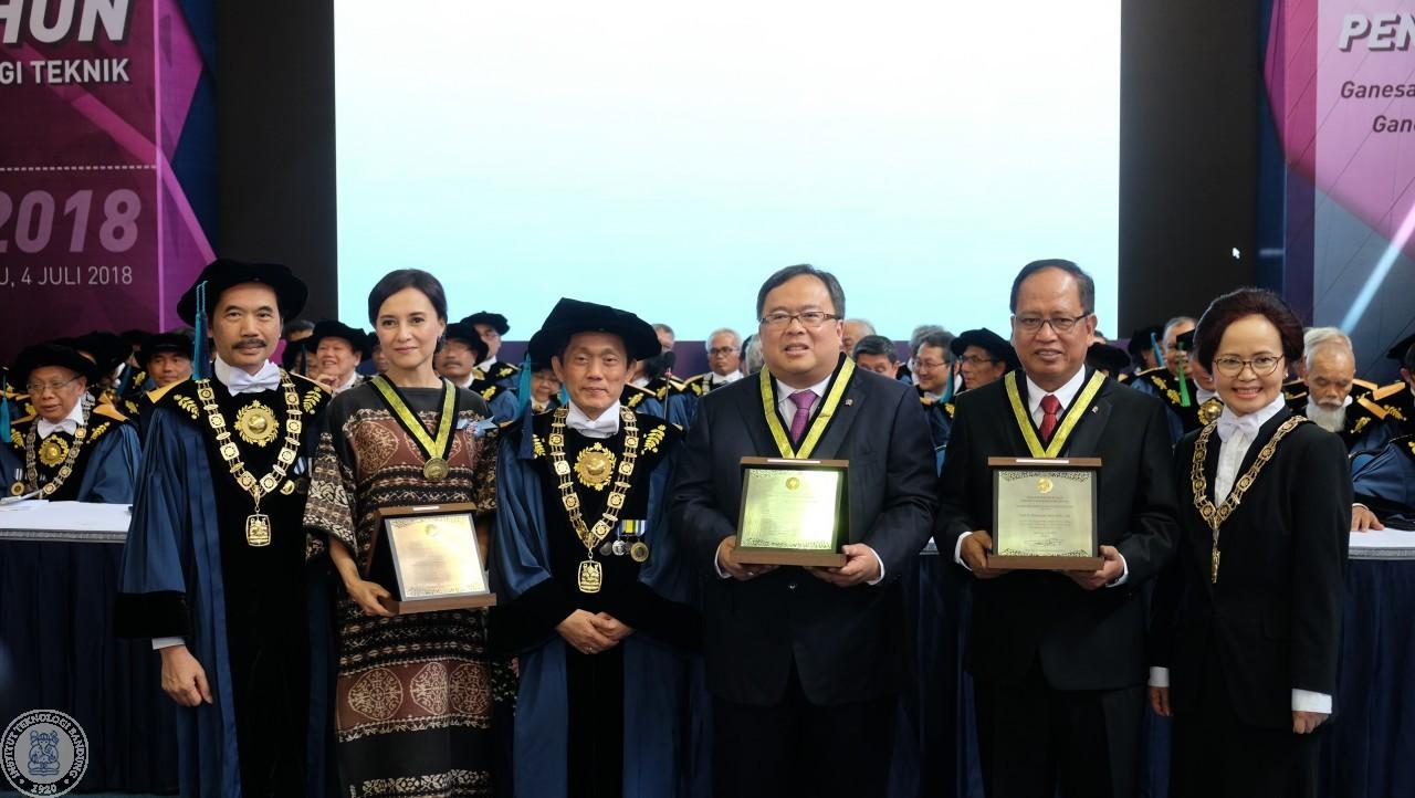 Peringatan 98 Tahun PTTI, ITB Berikan 31 Penghargaan