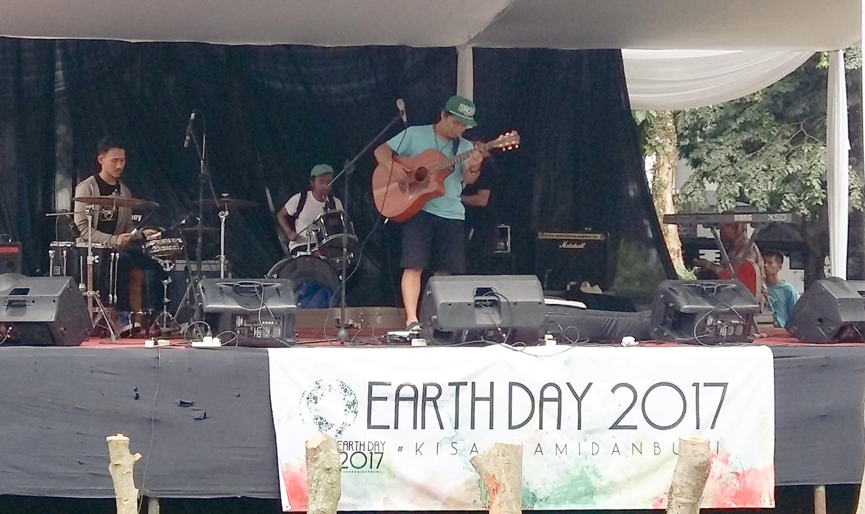 earth-day-2017-peringati-hari-bumi-melalui-aksi-alam-dan-sosial
