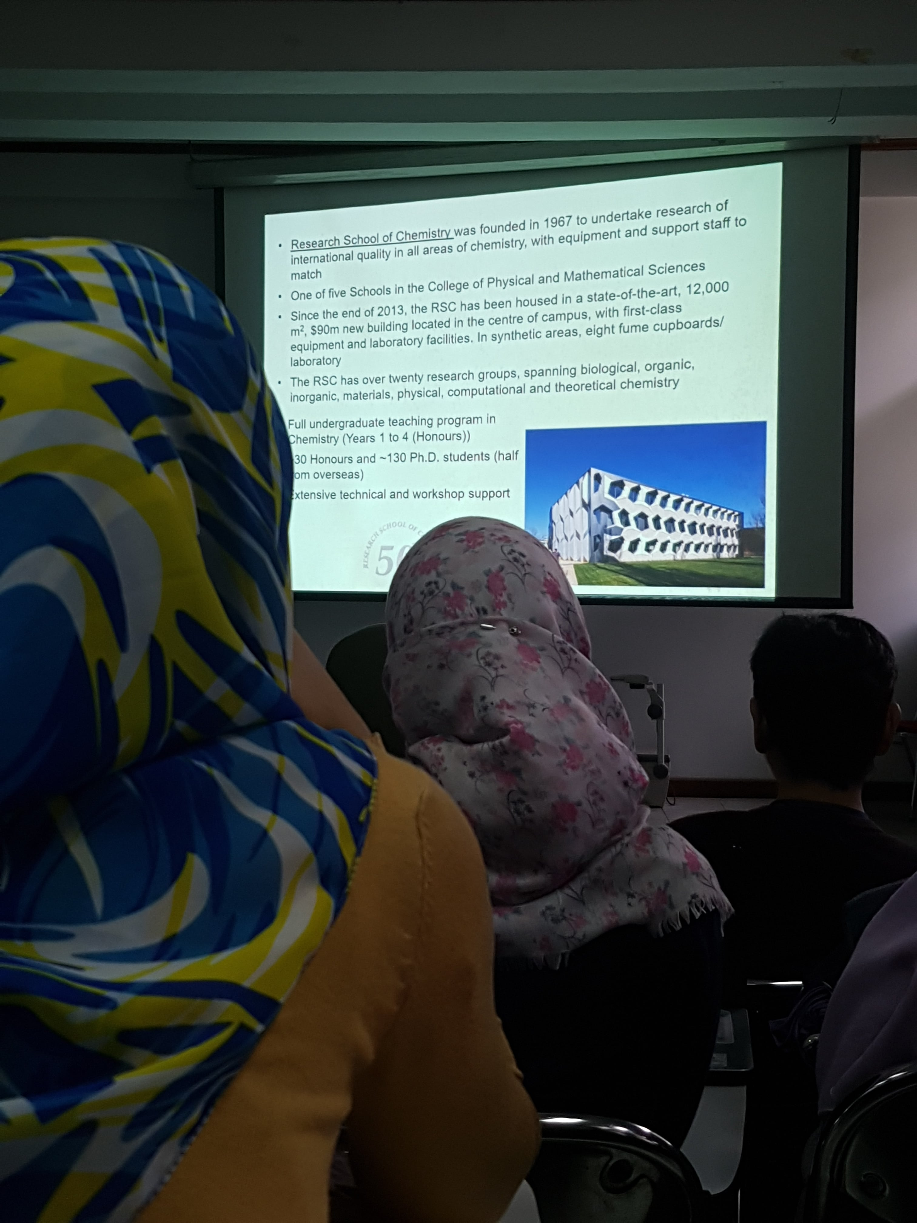 fmipa-itb-held-guest-lecture-commemorating-70th-years-of-chemistry-education