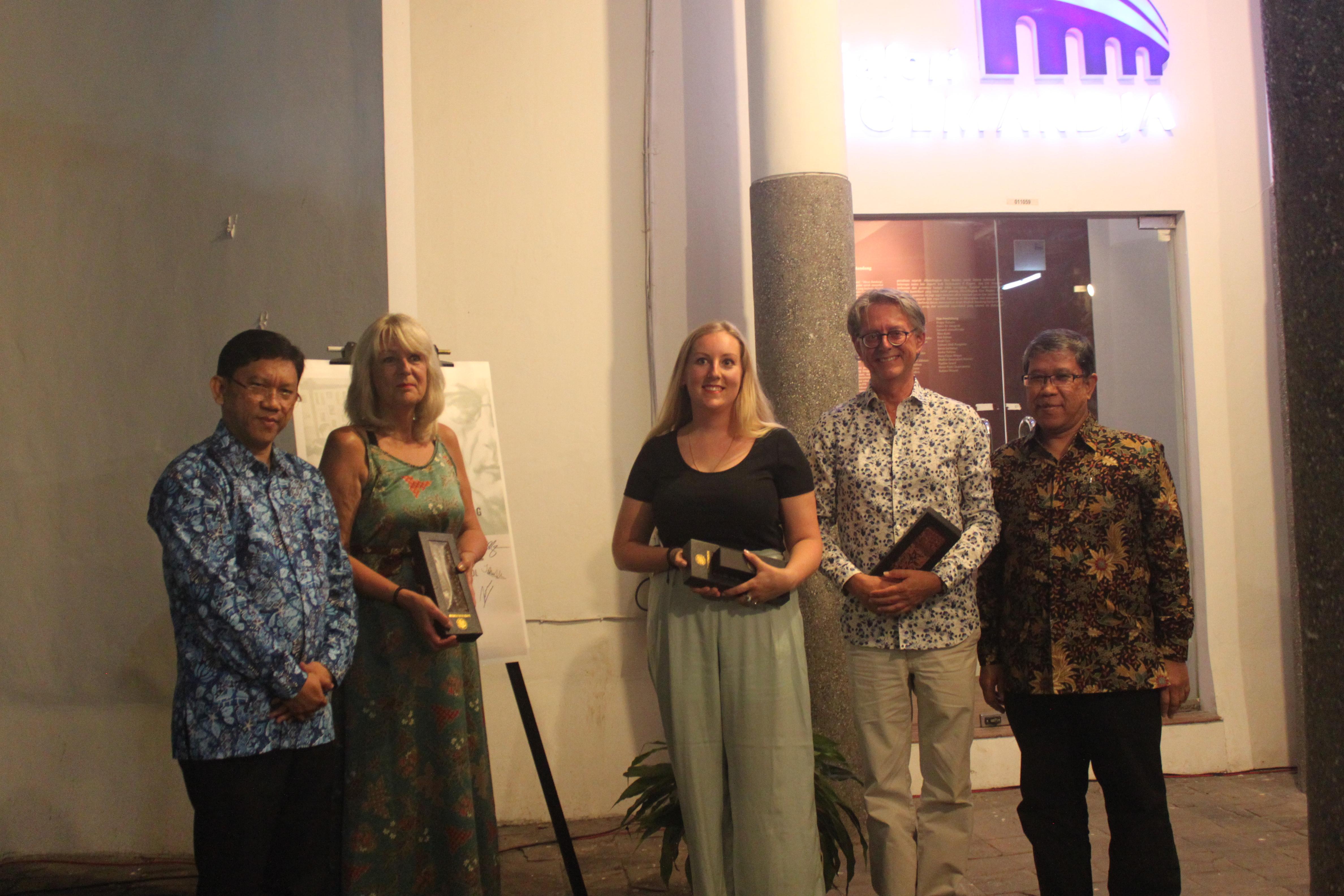 Pameran 'Cara Lain Menuturkan : Simon Admiraal dan Kisah Mazhab Bandung' Resmi Dibuka