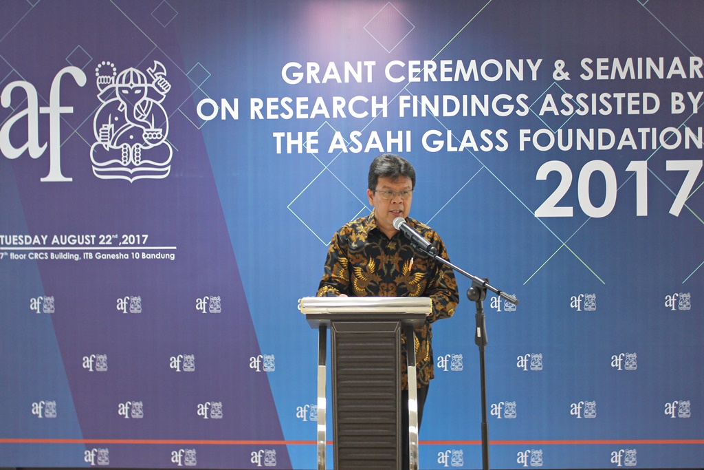 galeri-foto-grant-ceremony-seminar-on-research-findings-assisted-by-the-asahi-glass-foundation-2017