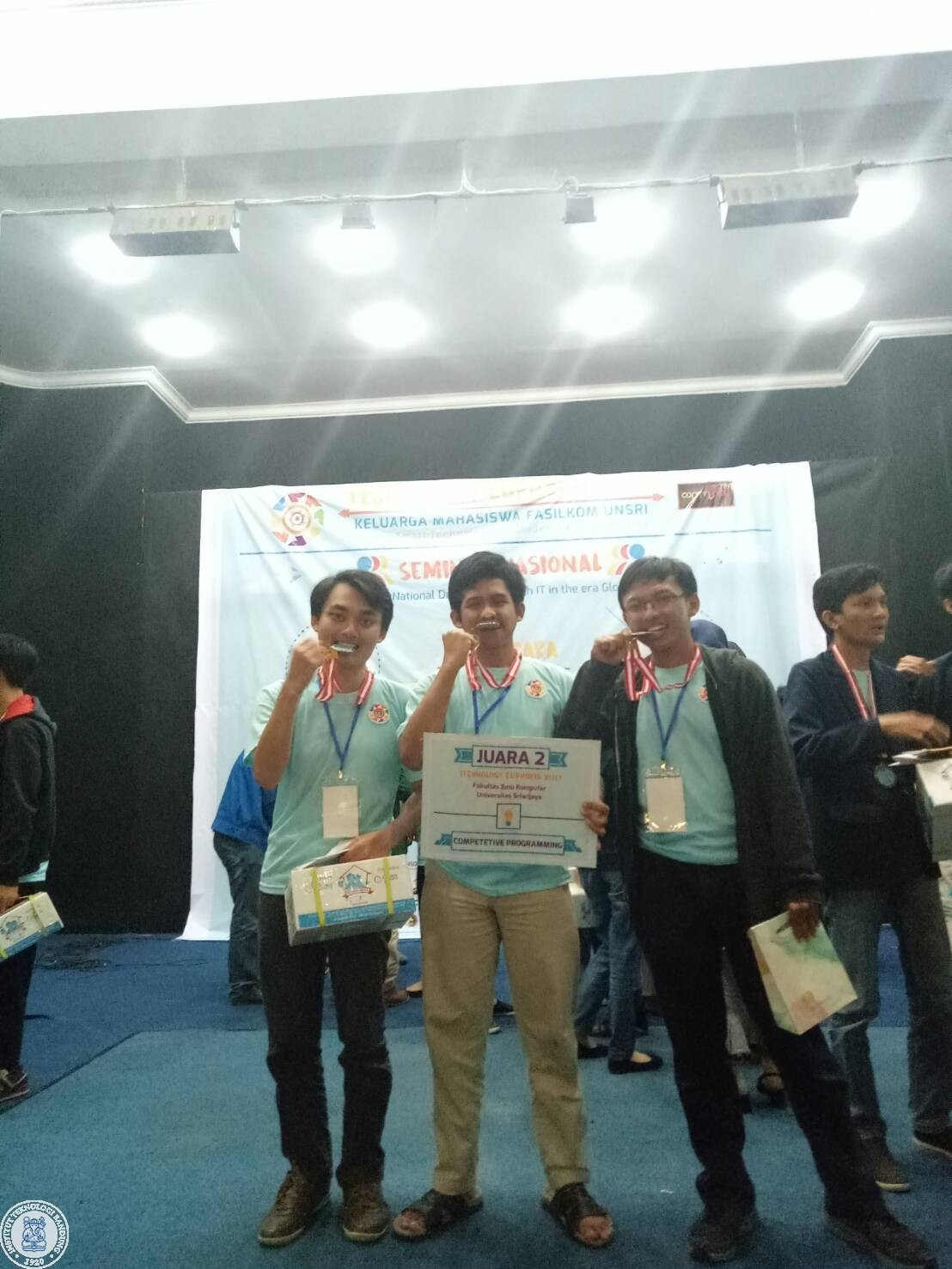 three-itb-students-won-the-2nd-prize-in-competitive-programming-in-technoporia-2017