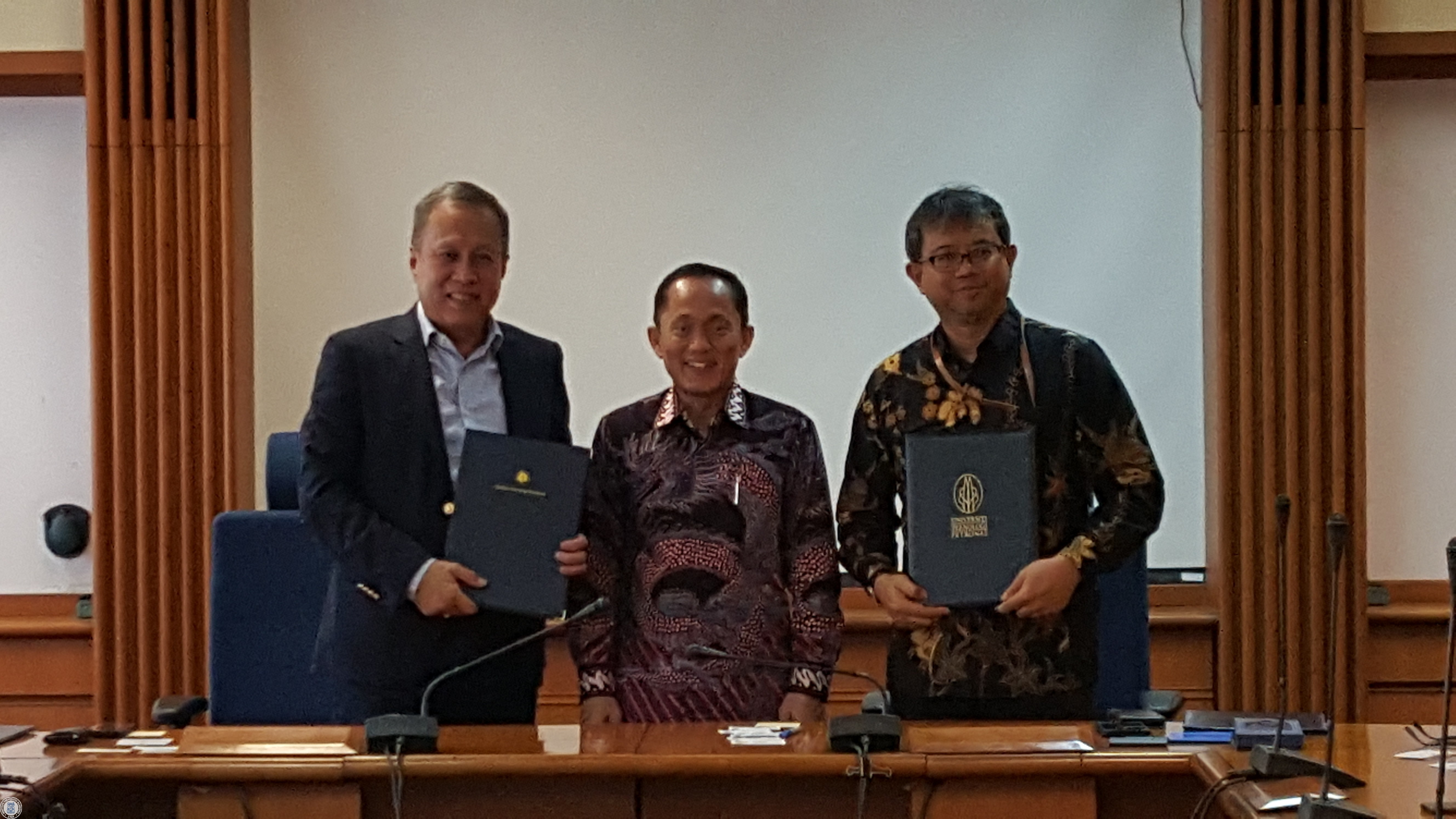 mou-between-itb-and-universiti-teknologi-petronas-for-continuous-improvement