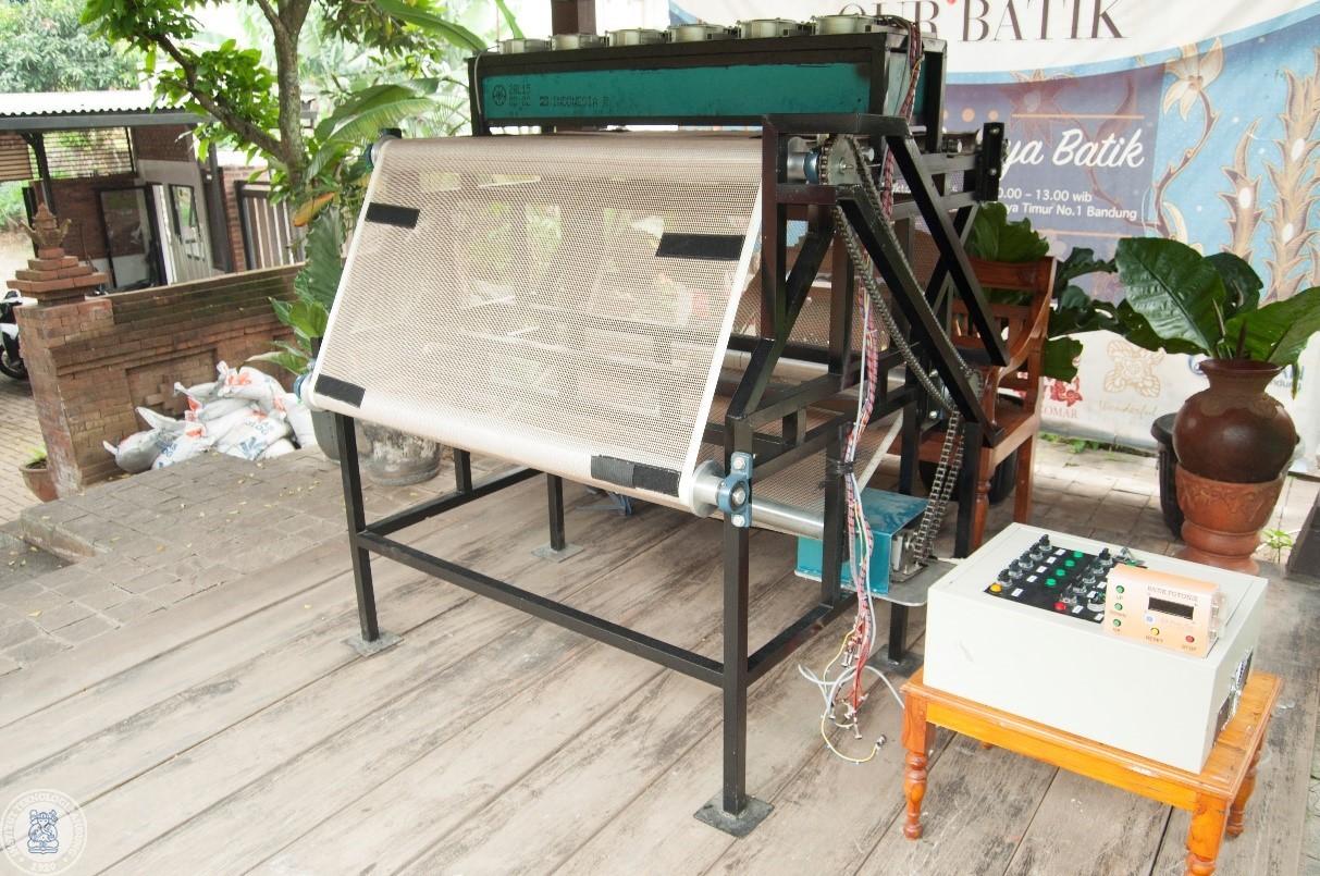 Setelah Angklung Robot, Dr. Eko Mursito Budi Kembali Sukses Ciptakan Mesin Fotonik Batik