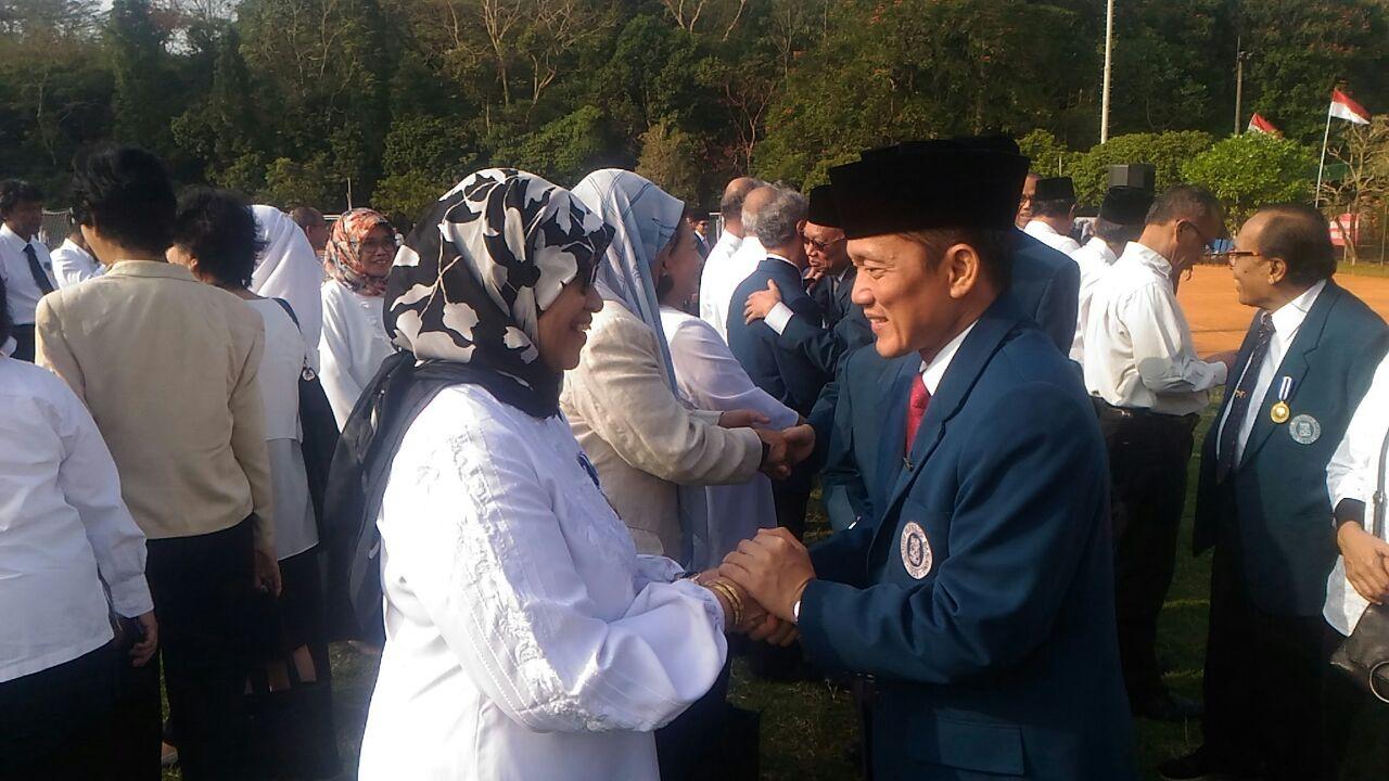 sejumlah-pegawai-itb-menerima-penghargaan-karya-satya-lancana-dalam-upacara-peringatan-kemerdekaan-ri-ke-73-di-saraga