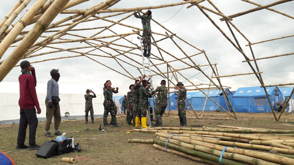 aiding-the-victims-of-disasters-itb-builds-bamboo-shelter-for-temporary-housing