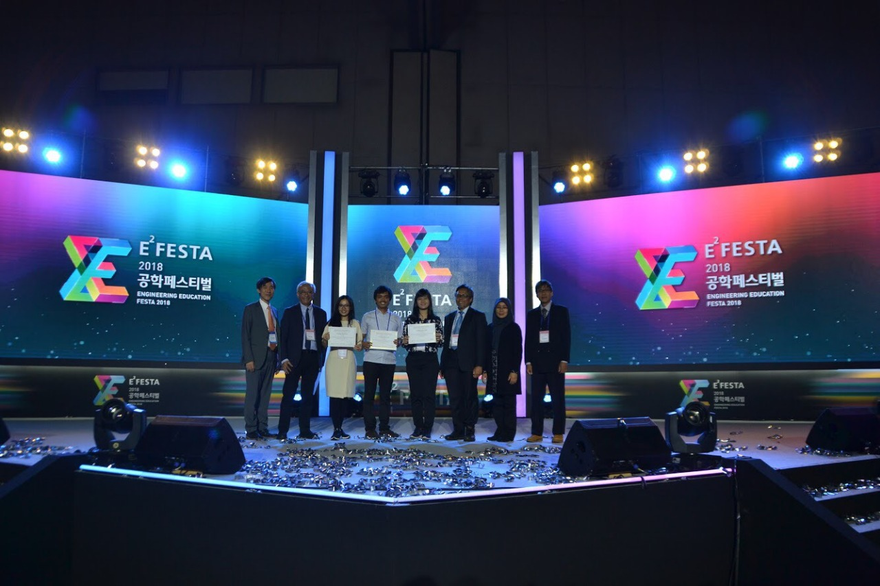 for-sign-language-translator-a-team-of-itb-students-won-excellence-award-in-e2festa-competition-in-south-korea