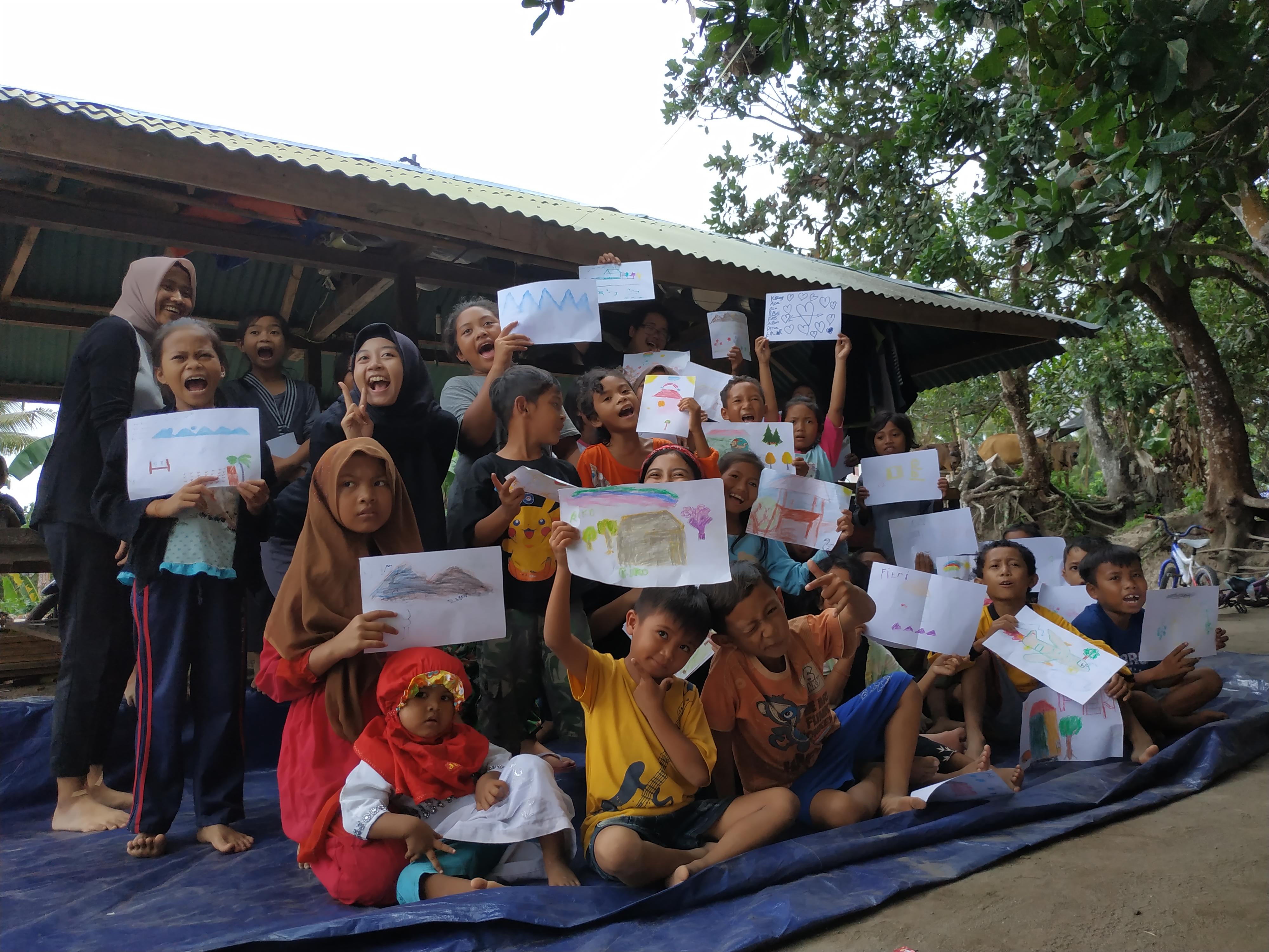 melalui-media-seni-tim-itb-kembalikan-senyum-anak-anak-pasca-gempa-di-lombok