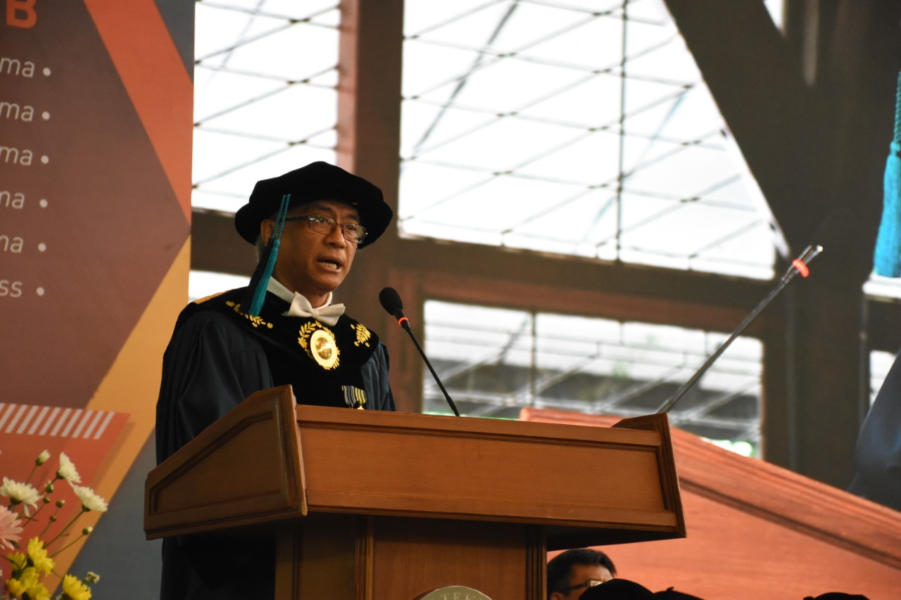 itb-confer-honorary-degree-to-t-p-rachmat-on-the-commemoration-of-99th-year-ptti