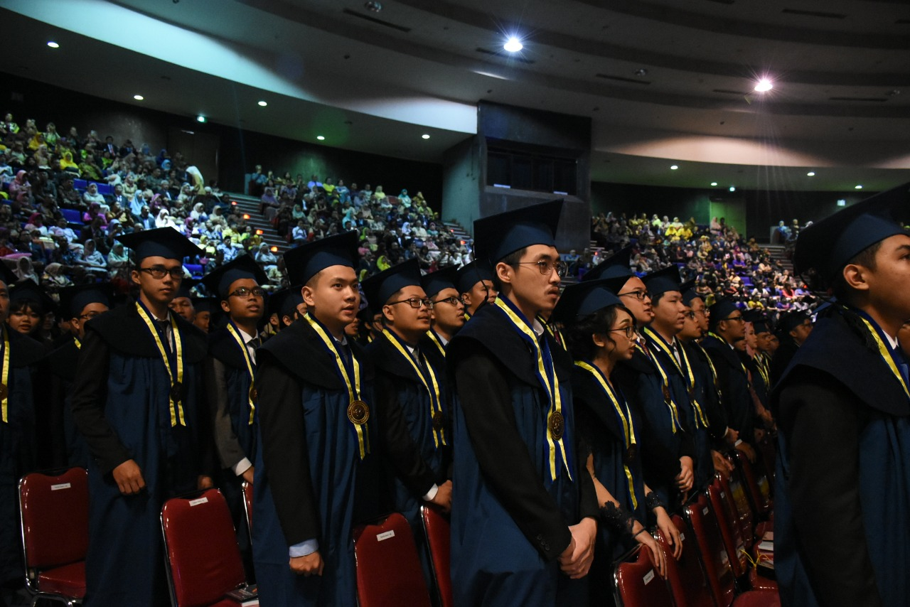 itb-inaugurated-2987-graduates-in-the-first-graduation-ceremony-of-academic-year-20192020
