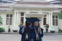 Cerita Menarik Dua Wisudawan Asing, Baha dan Syakirin Selama Kuliah di ITB